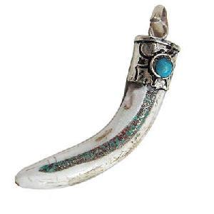 tibetan genuine wolf teeth amulet pendant