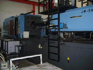 plastic injection molding maching