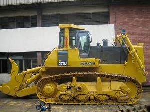 heavy construction earthmoving equipments komatsu bull dozer