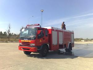 fire fighting vehicle equipment mounted isuzu truck