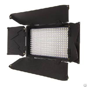 New 312a Led Dimmable Camera Video Light Panel With Barndoors And Lcd Screen Display