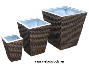poly outdoor rattan vase