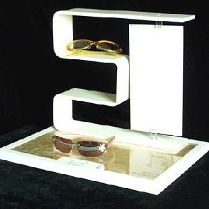 counterto eyewear display