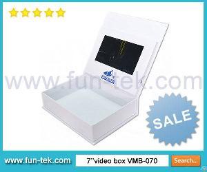 Creative 7 Inch Lcd Video Light Sensor Box Vmb-070 A4 Landscape 2gb Memory Multi Buttons 1000mah