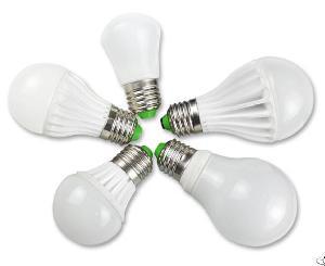 Ledde Lampa Med Aluminium Och Plast Kylelement Pc T�cka