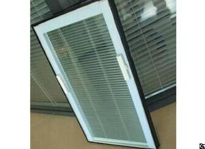 Lift Magnetically Operated Blinds Closed Together To The Top