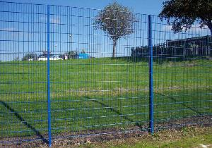 wire mesh fence security