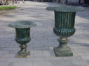 cast iron garden flower pot
