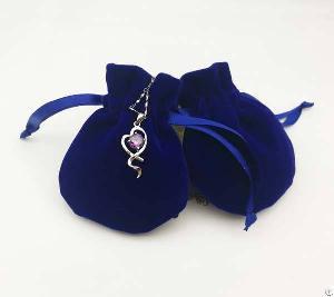 round velvet jewelry bag
