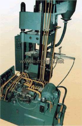 hydraulic press equipment dry powder