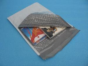 poly bubble mailer co extruded envelope