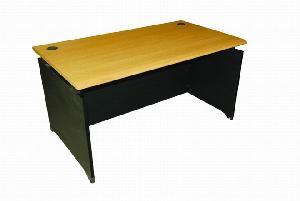 maestro desk