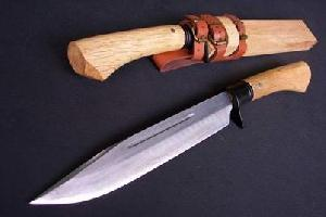 Hunting Knife With High Carbon Steel Riffled Steel
