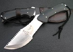 Survival Knife / Hunting Knife With Small Dart In The Hilt