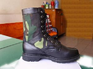 military camouflage jungle boots