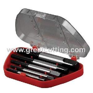 5 screw extractors plastic box