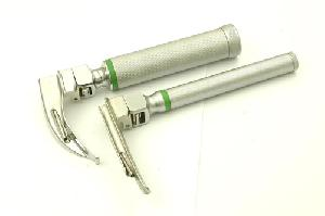conventional fiber optic laryngoscope