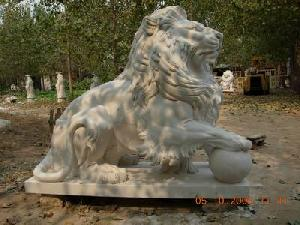 carving marble lion