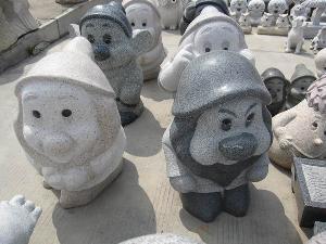 seven dwarf stone carving