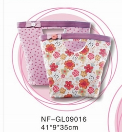 girls shopping bag
