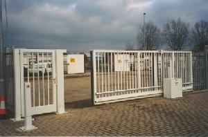 sn cantilever gate