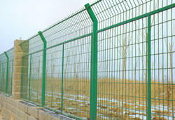 pvc coated airpot fence meshor protection building construction