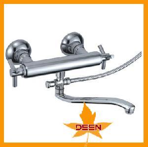 brass bathtub faucet