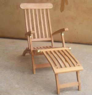 Lazy And Reclining Chair Made From Teak For Outdoor And Indoor Furniture Named Bali Steamer Chair