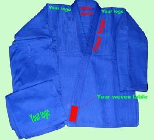 manufactures brazilian jiu jitsu kimonos gi s