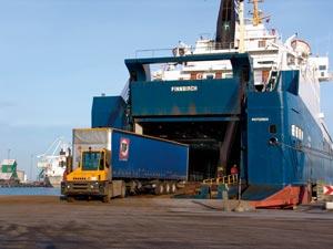 cars trucks crane transport ro vessels shipping shanghai shenzhen tianjin qingdao