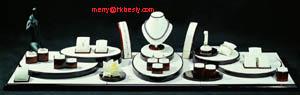 jewlery display jewelry