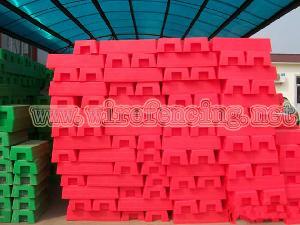 plastic feet temporary fence blocks