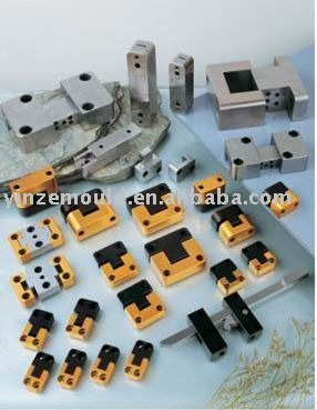 mold interlocks