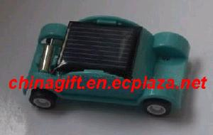 mini solar beat up car wecker