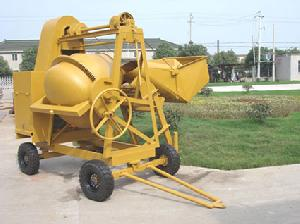 loading concrete mixer yanmar diesel engine