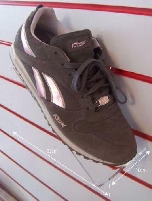 shoe shelf right facing slatwall