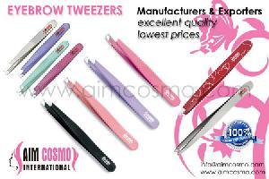 eyebrow tweezers