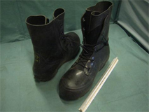 approx 1717 pairs cold weather boots stock 6632
