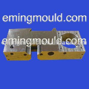 motordelar precisionsbearbetning stål fräsning