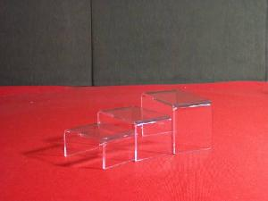 3 acrylic risers