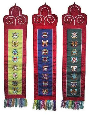 8 auspicious symbols wall hanging