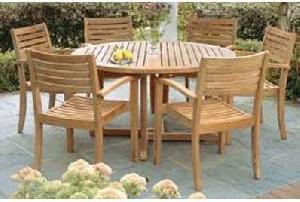 ... Garden Furniture Round Table