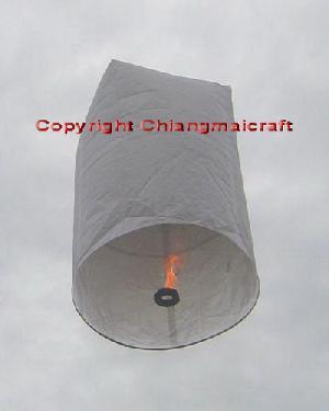 flying sky lanterns thailand