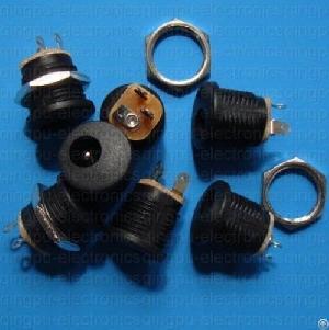 dc power connectors