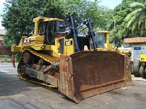 heavy construction earthmoving equipments