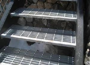 serrated steel grating slip resistance