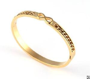 cuff bangle gold plated twisted chain imbeded middle