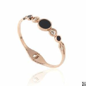 Single Ring Linked Fashion Rose Gold Hollowed Bangle With Black Enamel And Zircons Imbeded