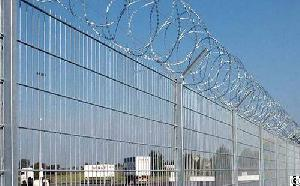 security airport fencing
