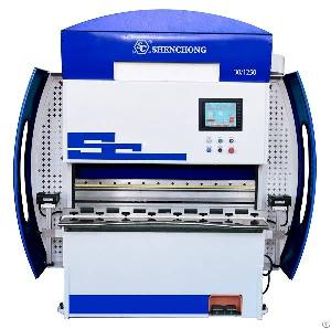 30t Cnc High Speed Press Brake Small Plate Bending Machine For Europe And North America Customers